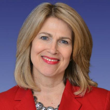 Headshot of Leslie Chapman-Henderson