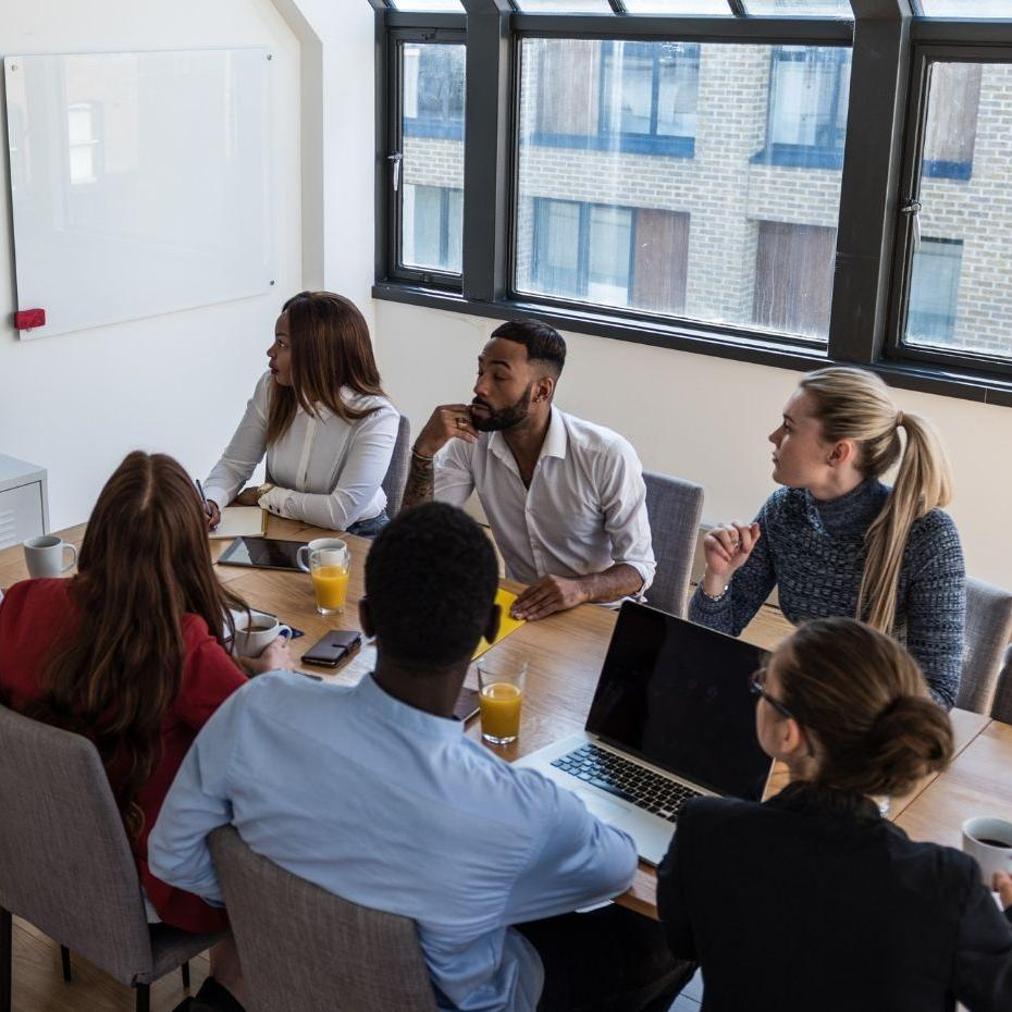 Best Practices for Meetings in a Hybrid World image